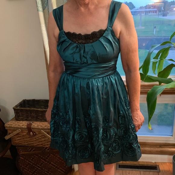 City Triangles Dresses & Skirts - City triangle Formal dress
